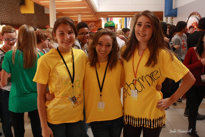 Sophomores are the brightest every year in their yellow. Photo by Jada Hounchell
