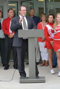 Dr. Mitchell speaks at the ribbon cutting ceremony for Central's renovations. Photo by Debi Allen.